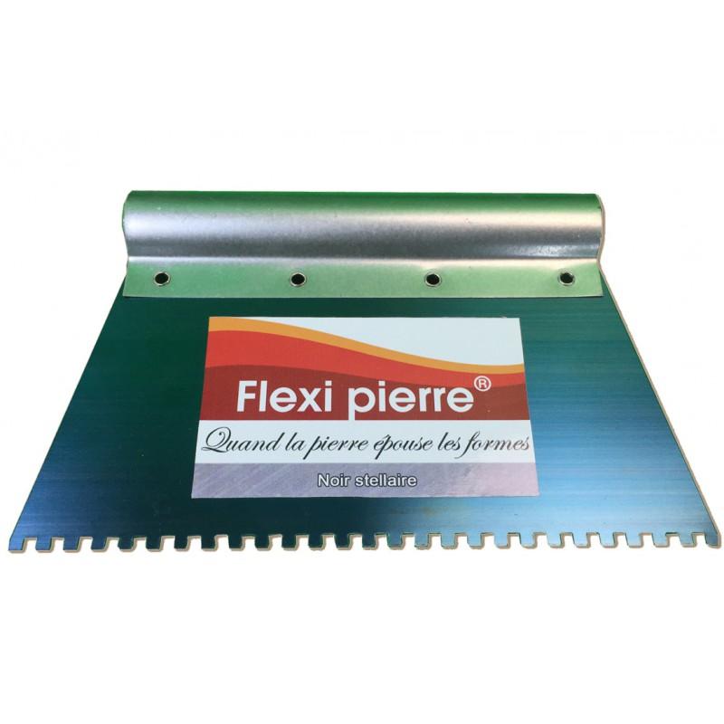 Spatule crantée 5mm pour étaler la colle sur le support, lors de la pose de Flexi-Pierre. Offert avec l'achat de colle